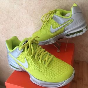 New in Box Size 5.5 Women's Nike Air Max Cage
